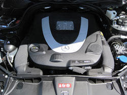 K&N Ersatz Luftfiltern können in Mercedes-Benz G Class, S Class, R Class, SL und SLK Class, GL und GLK Class und C Class Modellen installiert werden.