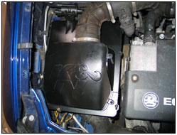 Motorfoto mit 57S-4900 Performance Airbox installiert